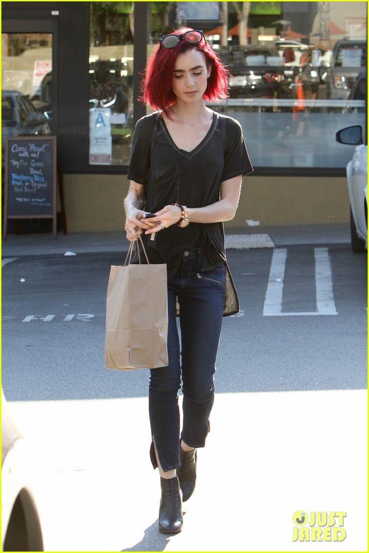 Lily Collins debutuje nový žiarivo červené vlasy 12