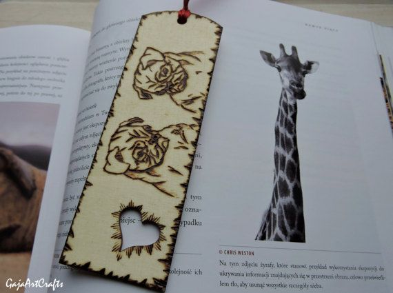The two pugs wooden bookmarks  - Reading lovers gift for pug owners - book accessories for pug lovers - wooden bookmark with pugs