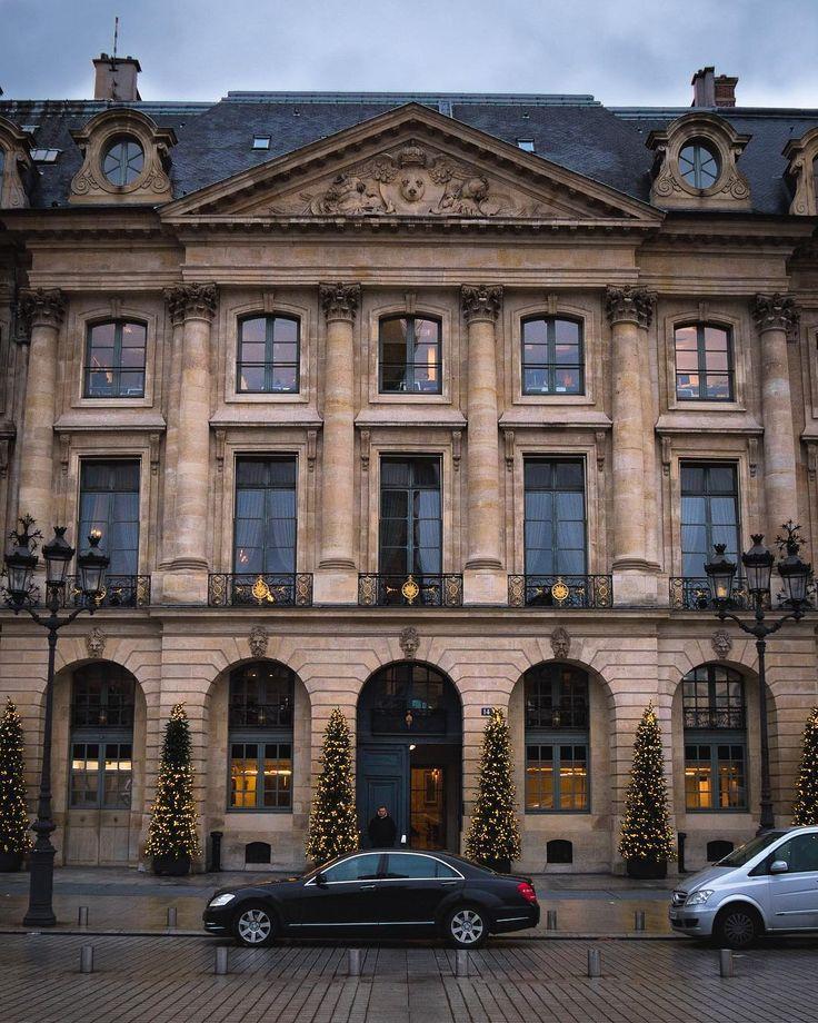 The architecture in Paris its really nice  #christmasdecor #lightsout #topeuropephoto #topparisphoto #topfrancephoto #gf_france #pariscartepostale #IgersParis #francevacations #parisjetaime #parismaville #igersfrance #ig_paris #pariscityvision #sky #super_france #visitlafrance #LOVES_FRANCE_ #paris #Geo_plc #paris #hello_france #france4dreams #pariscartepostale #hello_worldpics #architecture #winter #MonHiveràParisRegion