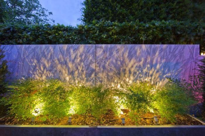 ljussättning av gräs och mur.jpg