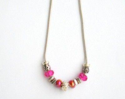 Prześliczny naszyjnik charms, jedyny, niepowtarzalny egzemplarz  srebrno - różowe beads. Komplet do bransoletki. Można kupić na aukcji http://allegro.pl/naszyjnik-charms-beads-jak-pandora-srebrno-rozowy-i6847494044.html.