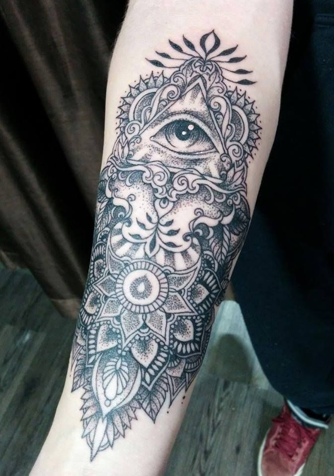 Chronic Ink Tattoo - Toronto Tattoo Mandala and all seeing eye tattoo done by Tegan.