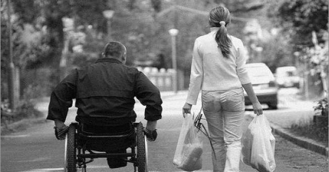 Este martes se celebra el día mundial de la Esclerosis Lateral Amiotrófica, esta enfermedad también conocida como Mal de Lou Gehrig, es una enfermedad neurológica progresiva. Ataca a las células nerviosas encargadas de controlar los músculos voluntarios (neuronas motoras) por medio de una degeneración gradual y llevándolas hasta muerte.