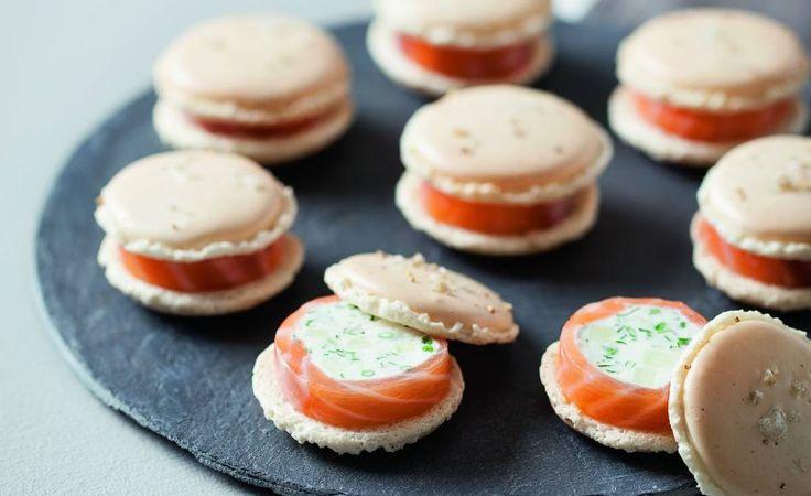 [Premium] Macarons chèvre frais, saumon et pomme verte sur l'Académie du Goût