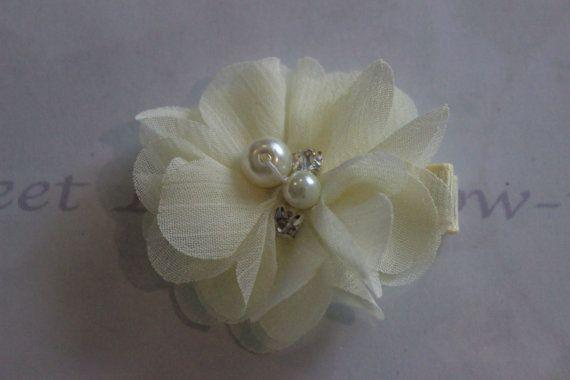 Flower Girl Hair Clip.  Christening/Baptism by SweetLovesBowtique, $4.00