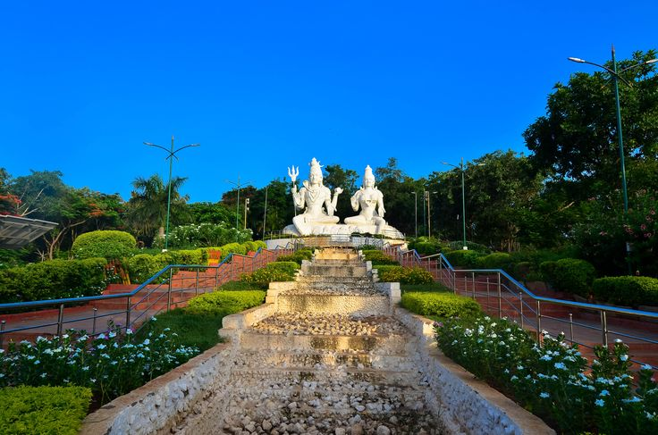 Kailasagiri hill top park offers majestic views of Vizag city and its coastal lines.