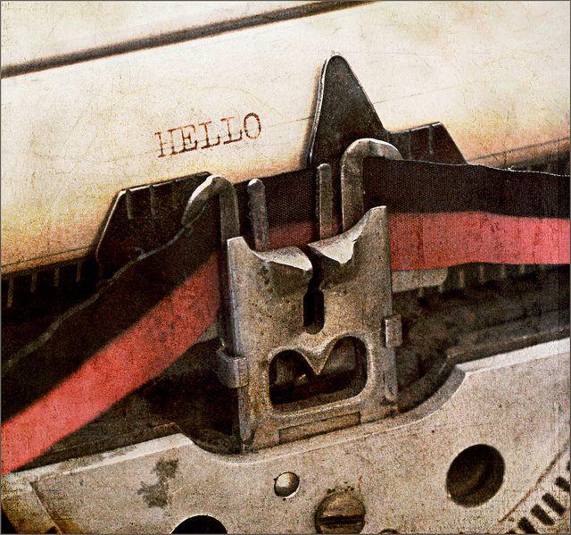 Typewriter with the double ribbon. voor het rood moest ik de band verzetten