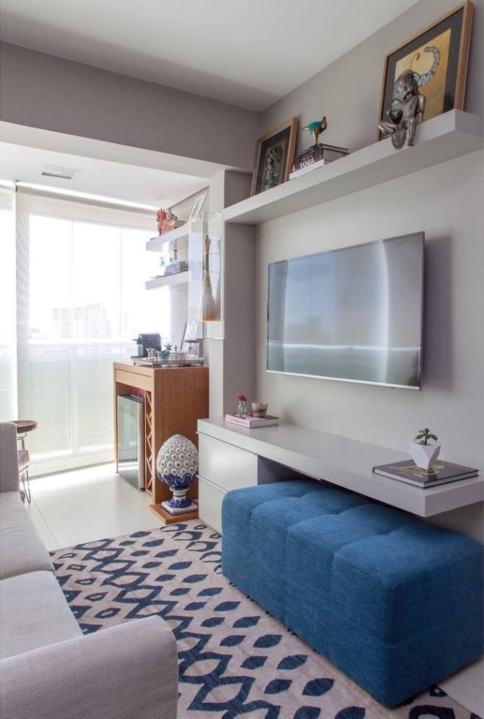 Veja dicas e inspirações para sala de estar pequena. Projetos criativos, elegantes e funcionais com móveis e espaços bem aproveitados.