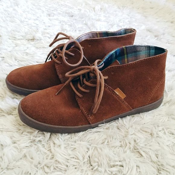 3f218b3c94 Vans Brown Suede Chukka Boot Vans Chukka Boot in brown suede leather.  Turquoise plaid lining. Worn once. Like new. Vans Shoes Sneakers