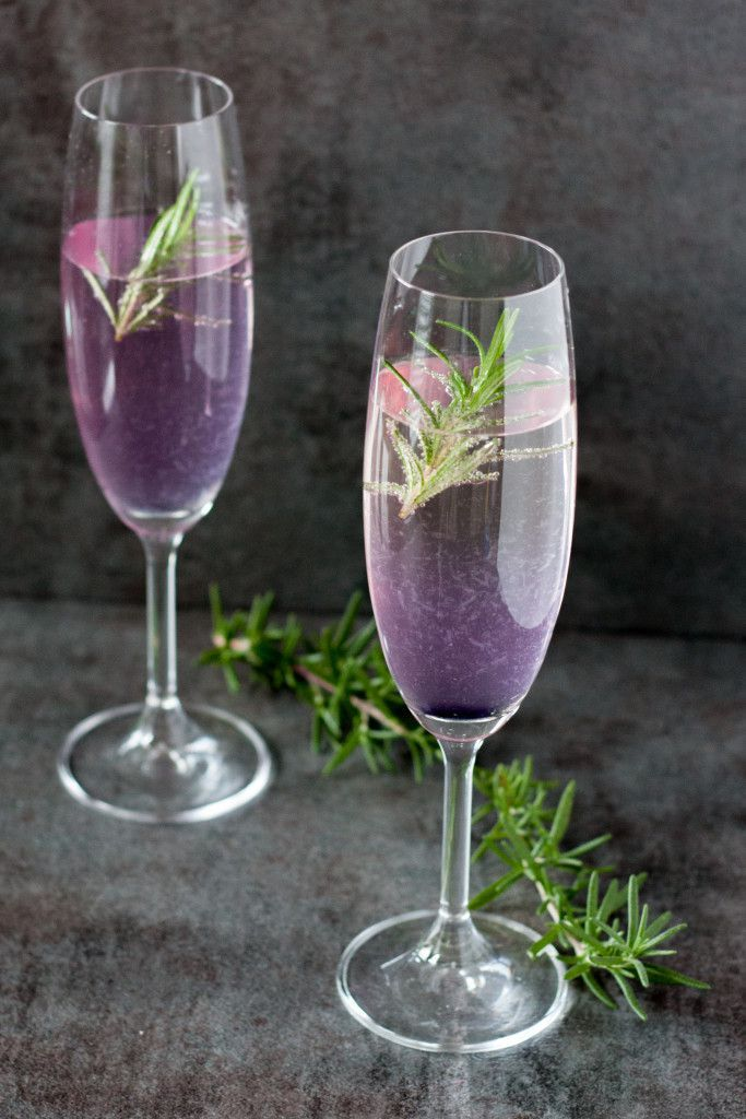 10 Champagne Cocktails With a Twist | New Year's Eve Champagne Ideas