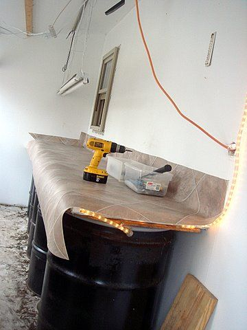 slightly warm table for seed starting or pet bed. fabulous idea!! page has all the instructions on building