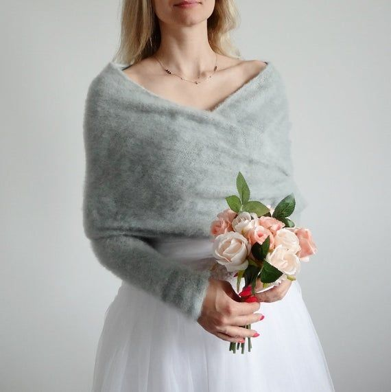 Bolero Wedding Wedding Sweater Winter Wedding Accessories Rehersal Dinner Dresses Chris In 2020 Hochzeit Bolero Hochzeit Pullover Winterhochzeitskleid