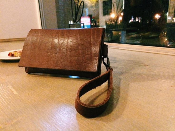 Handmade leather wallet by twelve to eleven