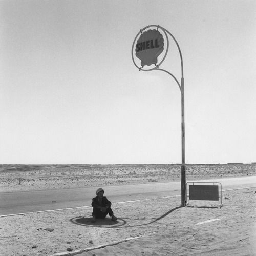 Gas station in the desert at Hassi-Messaoud, Algeria (1963, ph. Paul Almasy)