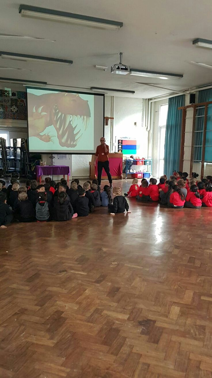 Author Paul Stickland had a dinosaur roaring day in Maidenhead visiting schools for World Book Day UK  Riverside Primary #WorldBookDay 📚🐊