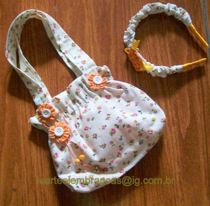 Bolsa de tecido e tiara 100% algodão decorada com fuxico