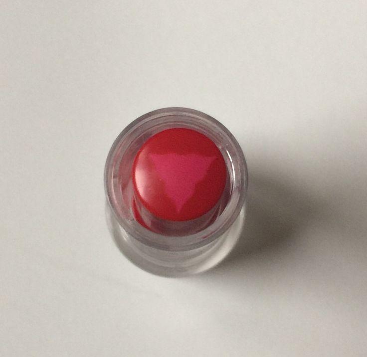 Beyond Alice in Wonderland lipstick 04