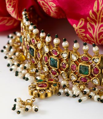 AN EMERALD, RUBY, DIAMOND AND PEARL CHOKER #kundan #polki #rosecut #diamonds #emerald #ruby #cabochon #gold #traditional #necklace #indian