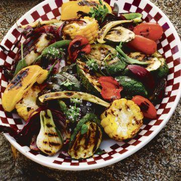 Grillade grönsaker i marinad