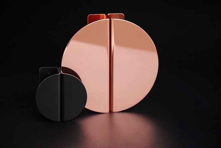 Semi Handles (160mm x 80mm Round) Polished #copper and #matteblack. #indexandco #design #handles #interiors #sexy #madeinaustralia