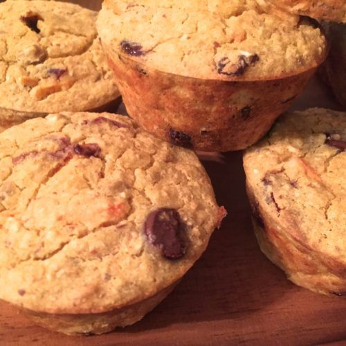 DA DA DAAA!! Eggless muffins …. could it be? YES. Even more importantly, they are a tasty and healthy treat. I mean, just because we are eating the rainbow doesn't mean we can't input those rainbow foods into muffins … …
