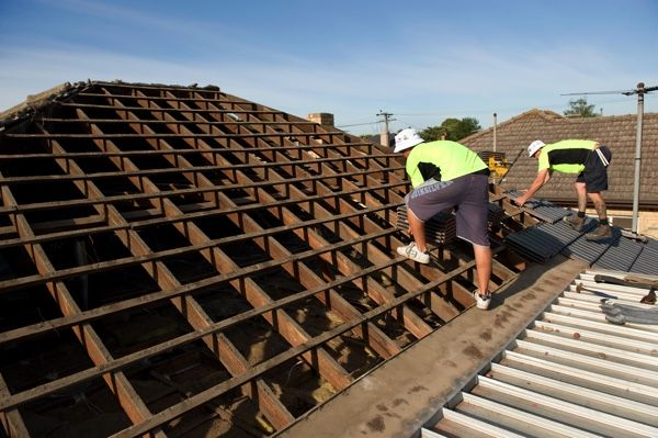Re-Roofing: Checking and repairing battens.