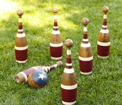 Rustic Lawn Sport Sets - This Vintage Bowling Set is a Fun Outdoor Game for Fun-Filled Parties