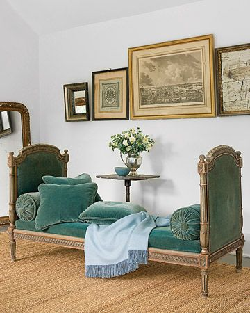 Love the color of this daybed!!