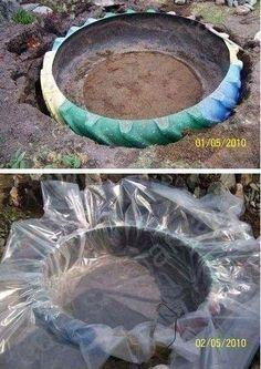 Un étang avec un pneu de tracteur