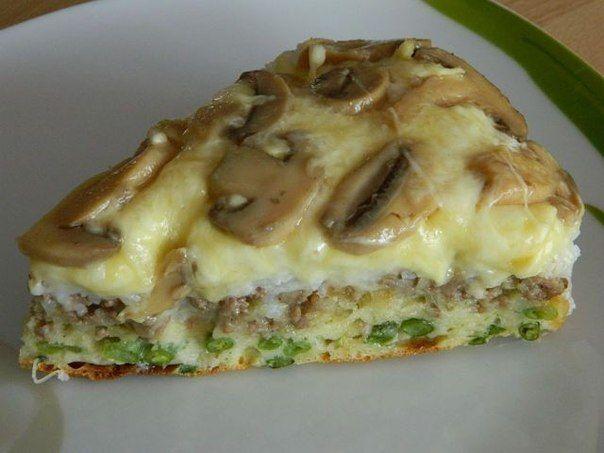 Для теста:3 яйца, 1 ст. кефира, 1-1 1/5 ст. муки (чтоб тесто было как на оладьи), 1 ч.л. соли, 1ч.л. соды погасить уксусом. Укладываем слоями: - шампиньоны 300 гр. - тертый сыр 300 гр, - рис отваренный 1 стакан, - фарш 300 гр (с луком обжарить), -стручковая фасоль 300 гр