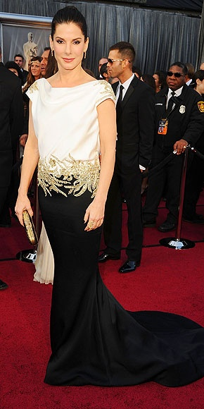Sandra Bullock's movie Extremely Loud & Incredibly Close was up for Best Picture, but the vote is still out on her dress – an embellished, black-and-white Marchesa.: Flower Girls Dresses, Sandra Bullock, Fashion Dresses, Oscars 2012, Bridesmaid Dresses, 2012 Oscars, Red Carpets, Prom Dress, Oscars Dresses