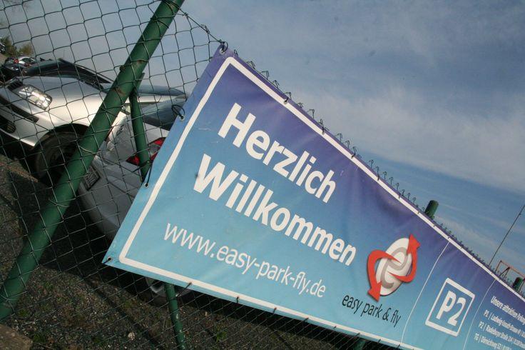 Parken Flughafen Dresden - easy park & fly - P2 - der Autobahnanschluss Flughafen Dresden ist nur 1.500 m entfernt