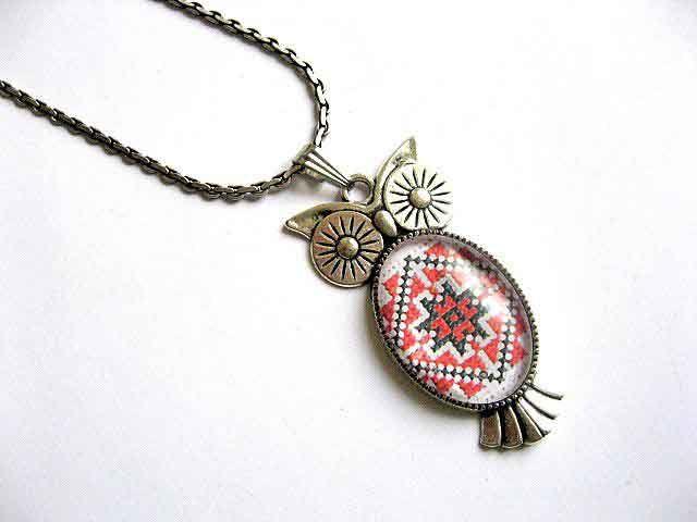 #Pandantiv #bufniţă cu #motiv #tradiţional #românesc, #colier şi pandantiv #argint #tibetan / #Pendant #owl with #Romanian traditional #motif, Tibetan #silver #necklace and pendant / #루마니아 #전통 #주제가 #장식 된 #펜던트 #올빼미, #티벳 #실버 #목걸이 및 #펜던트 http://handmade.luxdesign28.ro/produs/pandantiv-bufnita-cu-motiv-traditional-colier-si-pandantiv-argint-tibetan-29374/