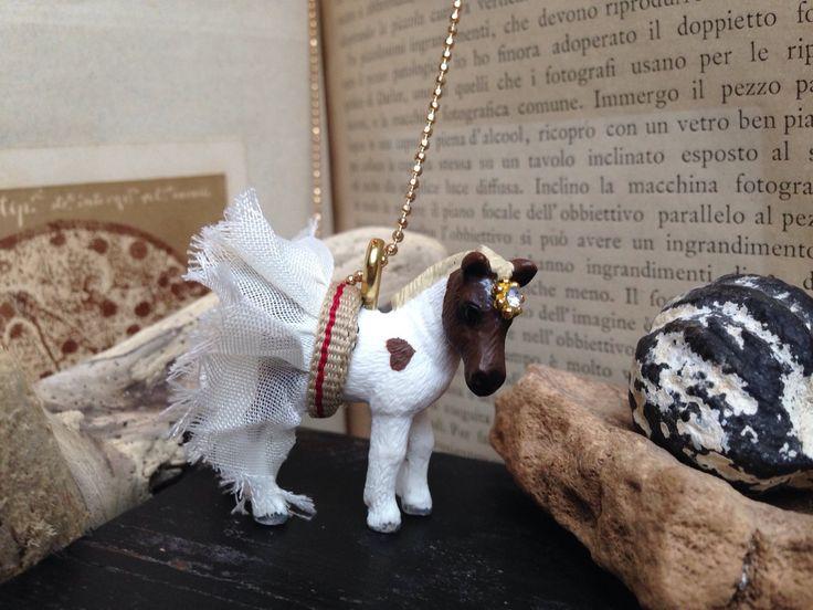 Un preferito personale dal mio negozio Etsy https://www.etsy.com/it/listing/257317371/cavallo-ricco-collana-con-animale
