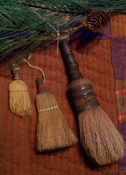 http://www.picturetrail.com/earlycountryantiques... I adore these earned little brushes and all the work they have done over the years....