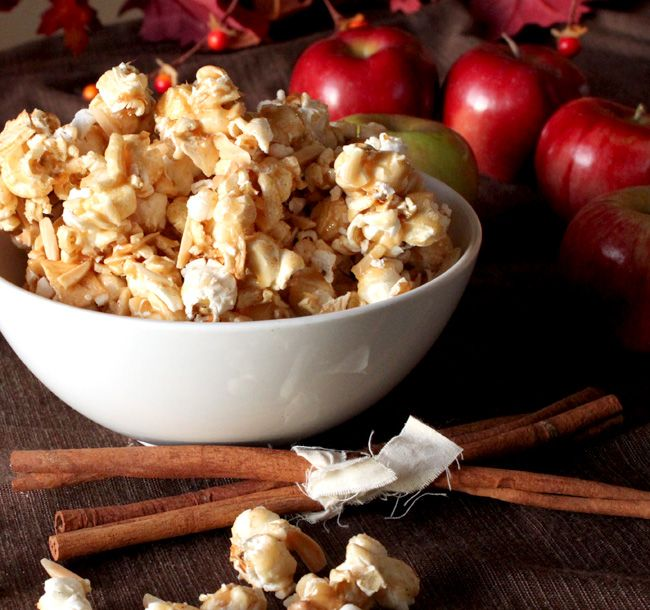 Caramel Apple Pie Popcorn (Successful recipe--no wonder it's a family favorite)Apples Cider, Yummy Food, Pies Popcorn, Apples Popcorn, Fall Treats, Apples Recipe, Popcorn Recipe, Caramel Apples Pies, Apple Pies
