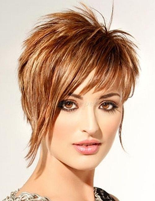rövid frizurák, rövid frizurák hosszú frufruval - rövid aszimmetrikus frizura