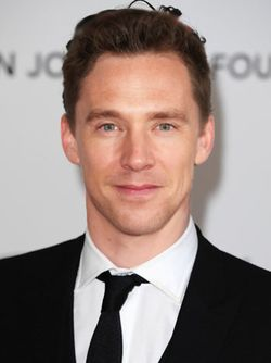 FACE MORPH!!! BENEDICT CUMBERBATCH+TOM HIDDLESTON!!!!!!! // I don't know how to feel about this. . .so I will express my confusion of feelings through an expletive; holy shit!
