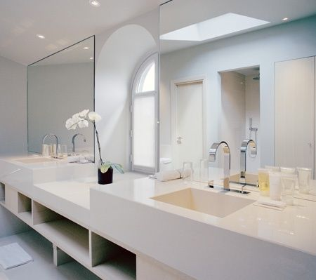stunning white #bathroom interior design #bathroom designs #modern bathroom design #bathroom