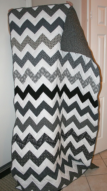 chevron quilt @Donnalee Gates I want you to make me a quilt like this !!!!,belated wedding gift ???,just different colors