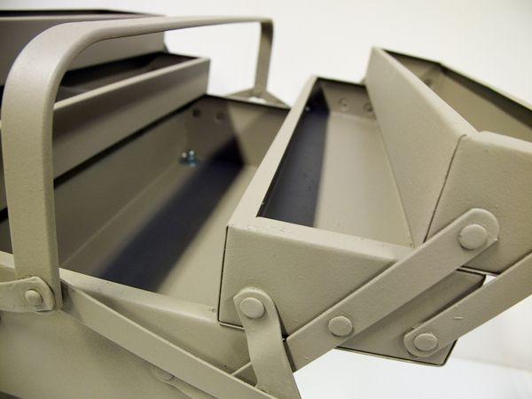 Boîtes à gant en talons aiguilles on Furniture Served