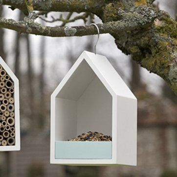 bird feeder-love the simplicity