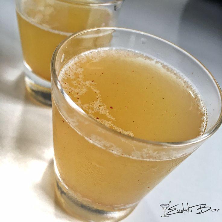 Whip Torch viski, Malibu, ananas suyu, toz tarçın #kokteyl #cocktail #whiskey #cinnamon #winter #kış #mixology #mixologist #shot #drink #içki #delicious #foodporn #drinkporn #tarif