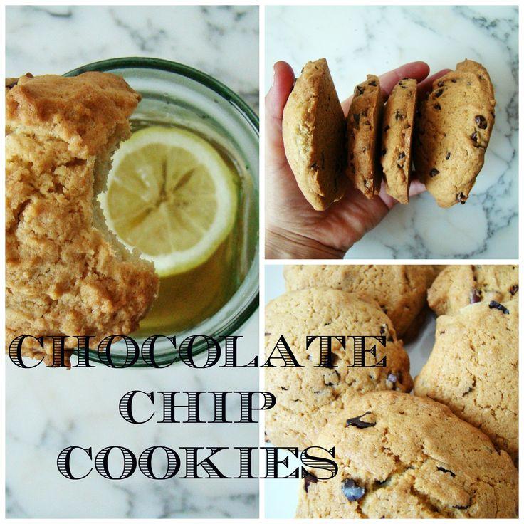 Easy Chocolate Chip Cookies | booksandlavender.com