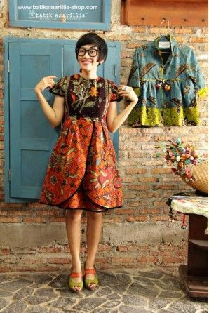 batik amarillis's blooming dress
