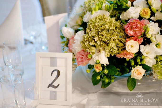 Floral centerpiece & table number