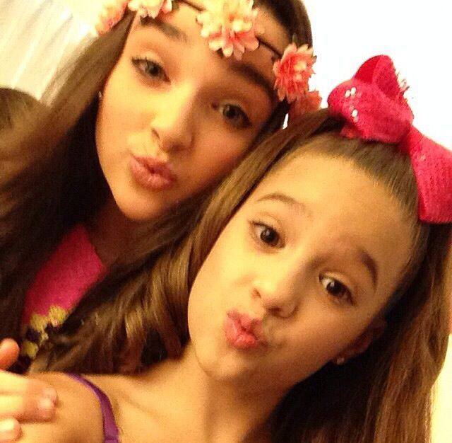 Kendall K Vertes and Queen Maddie Ziegler from LifeTime's hit reality Tv show, Dance Moms. Description from pinterest.com. I searched for this on bing.com/images