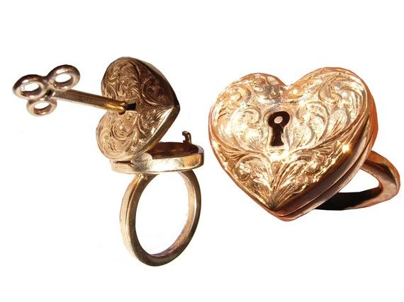 Locking 9ct Gold Engraved Heart Ring with Separate Key Necklace