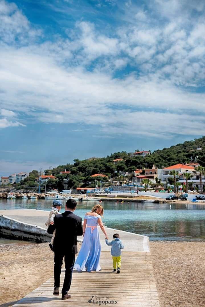 Μια #βόλτα στη #θάλασσα // #βάπτιση #vitaminsea #christening #baptism #christeningphotographer #greece #family www.lagopatis.gr