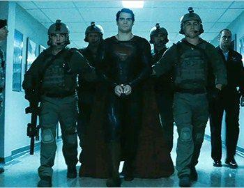 Ο Superman ήρωας επιστρέφει για άλλη μια φορά σε μια νέα εκδοχή του αρχικού μύθου. Αυτή τη φορά θα προσπαθήσει να σώσει τη Γη από την εισβολή της δικής του φυλής. Σκηνοθέτης : Zack Snyder